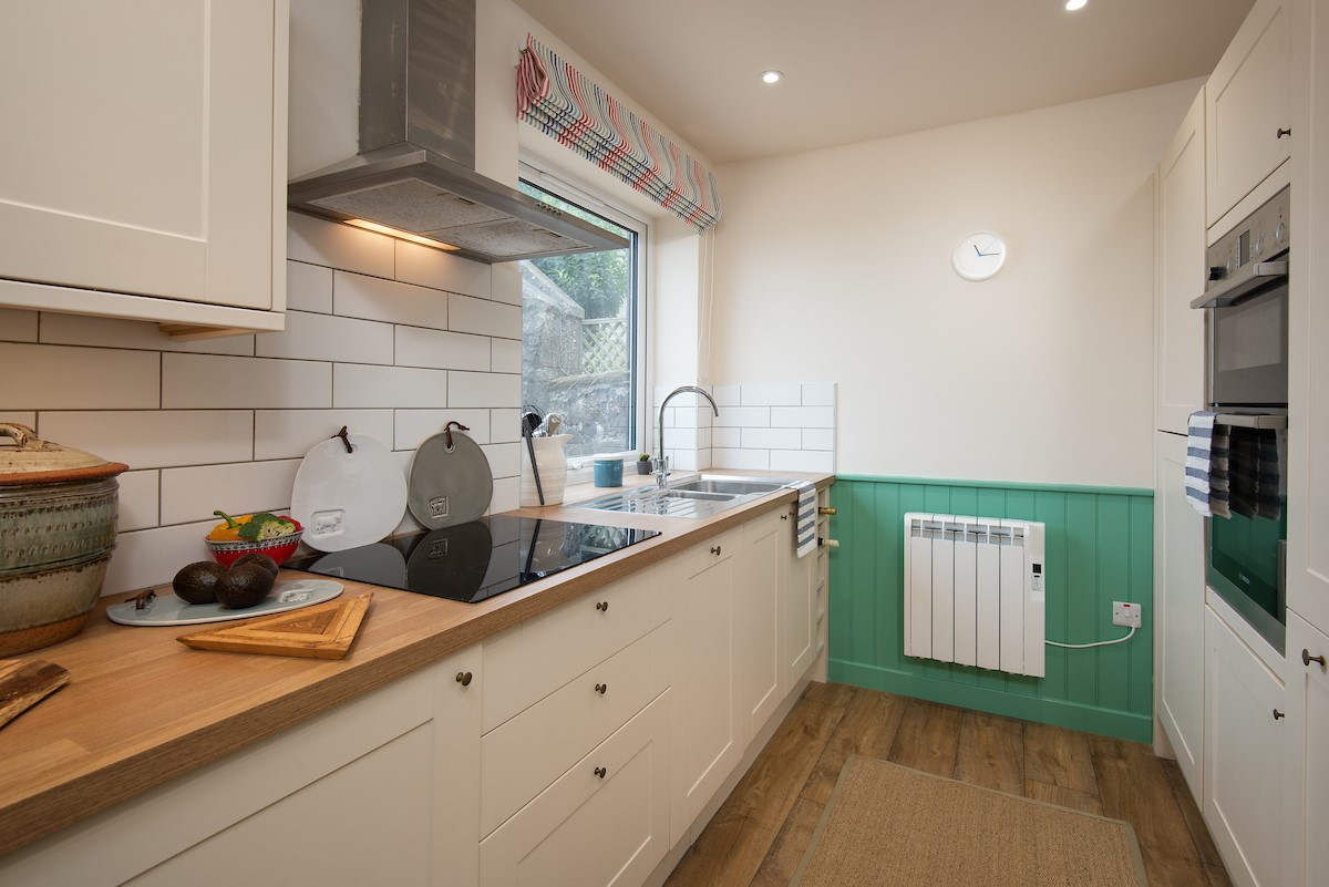 Calder Cottage - kitchen with integrated oven