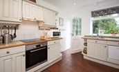 Milfield Hill Cottage - kitchen with ceramic hob