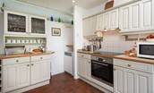 Milfield Hill Cottage - kitchen (1)
